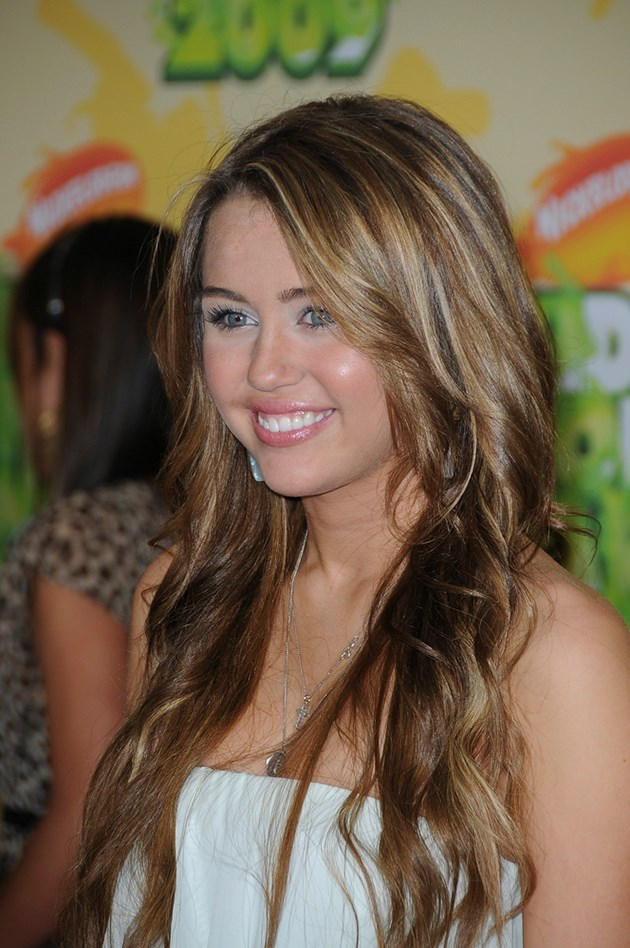 Miley-Cyrus-Kids-Choice-Awards-2009