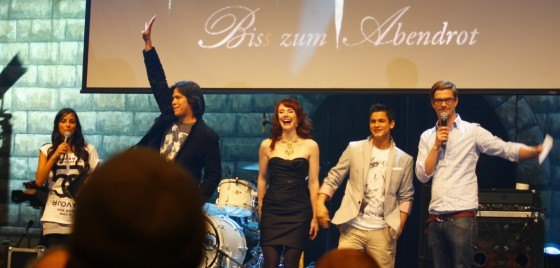 New Moon Berlin Stars 1 Twilight New Moon Fan Event Berlin   Miese Moderation, tolle Stars!
