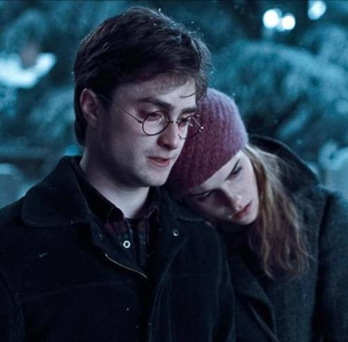 Harry-Potter-Deathly-Hallows-Trailer-Preview-6