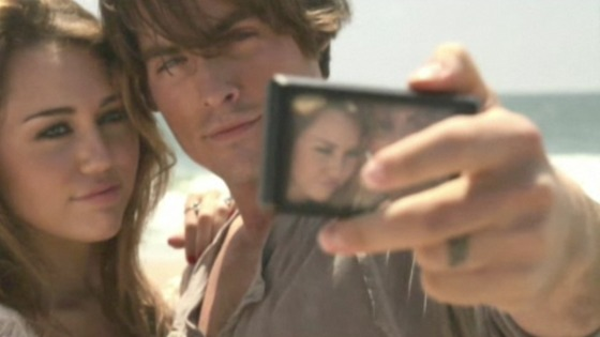 Miley-Cyrus-The-Big-Bang-Video