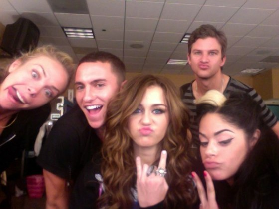 Miley-Cyrus-Twitpic_cool