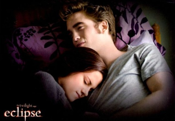 Robert Pattinson Kristen Stewart Eclipse Bett Robert Pattinson top: Twilight Eclipse DVD als Kassenschlager!