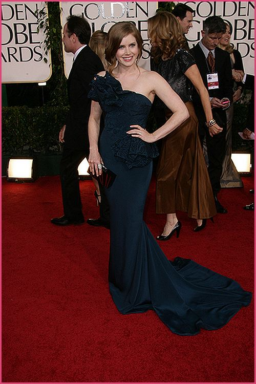 amy adams golden globes 2011 Golden Globes 2011: Welches Kleid war am schönsten?