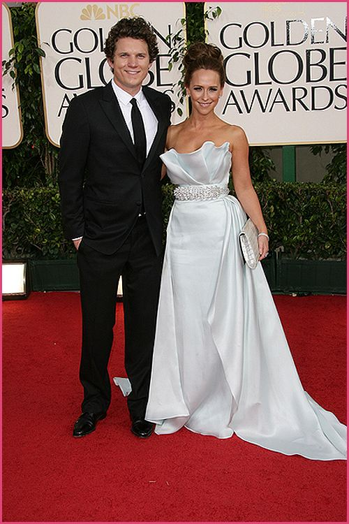 jennifer love hewitt golden globes 2011