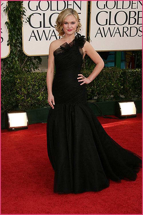 julia stiles golden globes 2011 Golden Globes 2011: Welches Kleid war am schönsten?