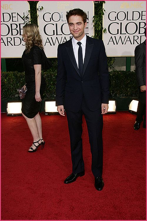 robert pattinson golden globes 2011 3