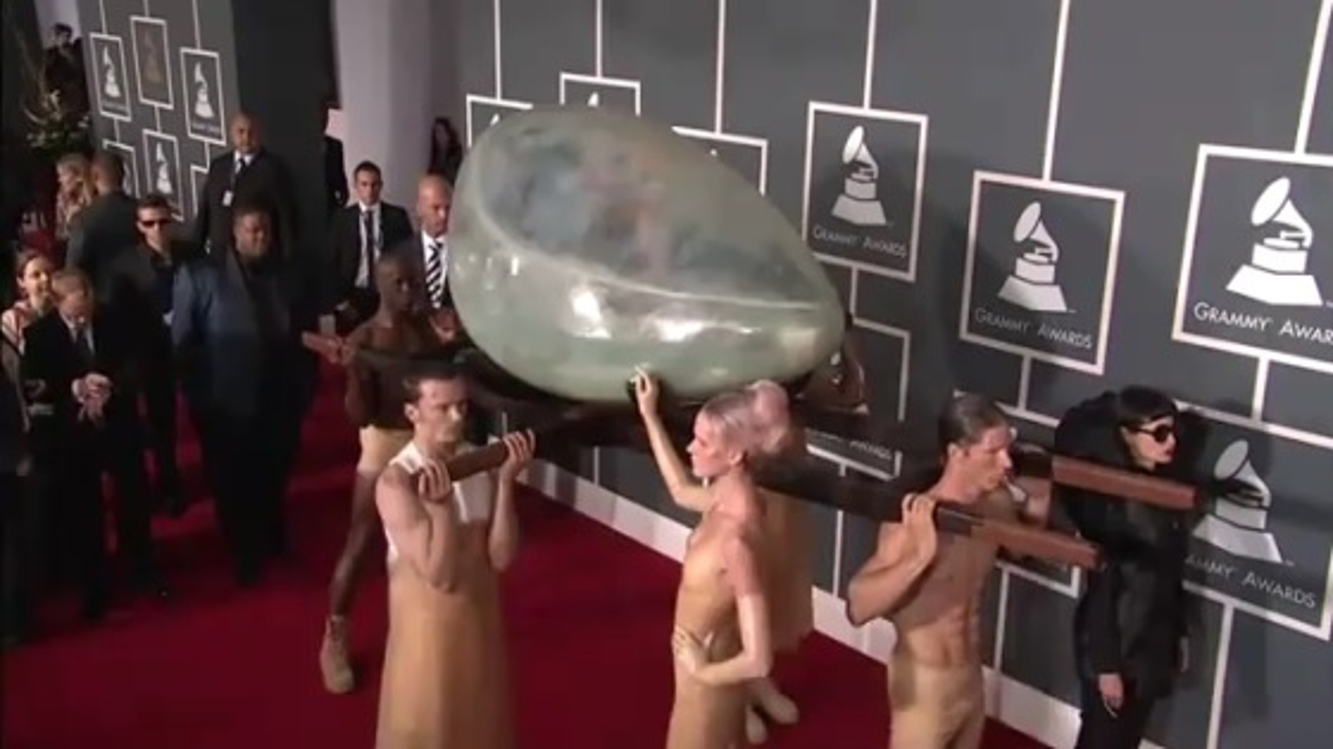 Lady-Gaga-Ei-Grammys