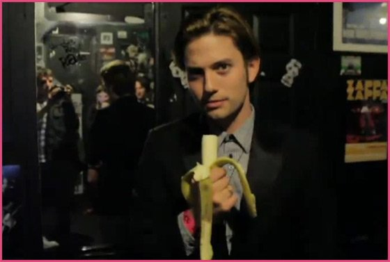 Jackson-Rathbone-Interview-Banane