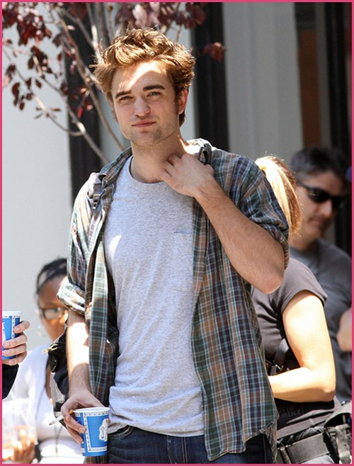 Robert-Pattinson-Remember-Me-Filming-2009