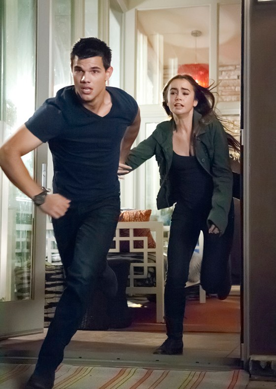Taylor Lautner Abduction Still neu