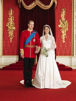 prinz-william-kate-middleton-hochzeitsbild-1-250x330