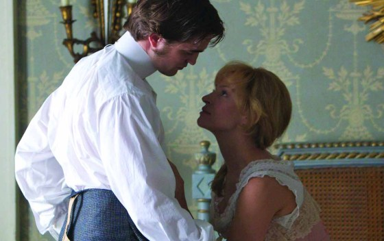 Robert Pattinson Uma Thurman Bel Ami2 Robert Pattinson im Bett mit Christina Ricci: Neue Bel Ami Stills!