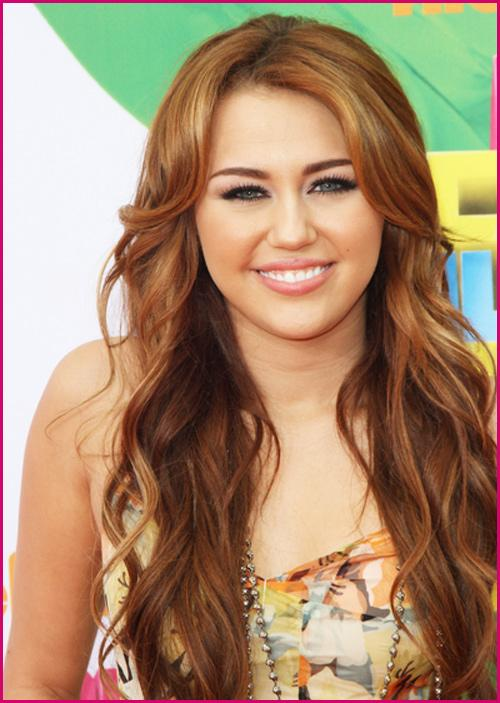 Miley-Cyrus-Kids-Choice-Awards-2011