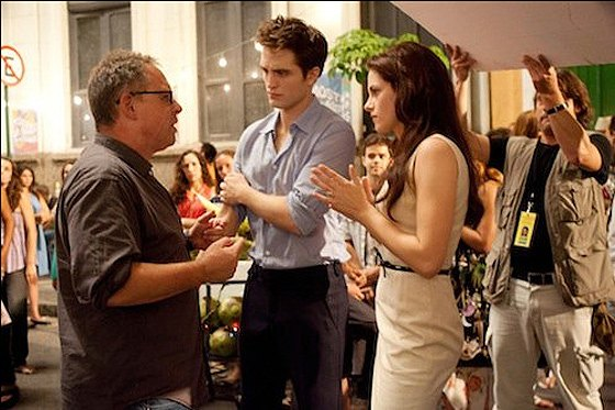 Robert-Pattinson-Kristen-Stewart-Breaking-Dawn-Set