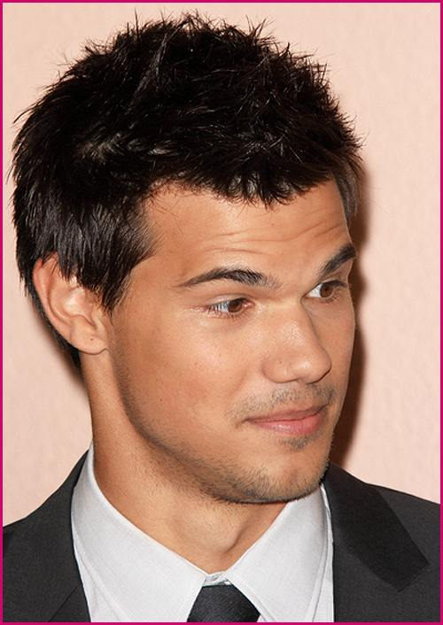 Taylor-Lautner-Hollywood-Foreign-Press-2011-1