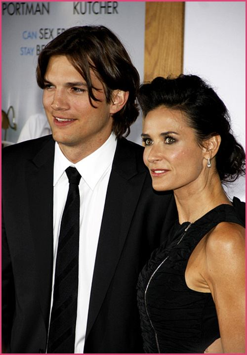 Ashton-Kutcher-Demi-Moore-No-Strings-Attached-Premiere
