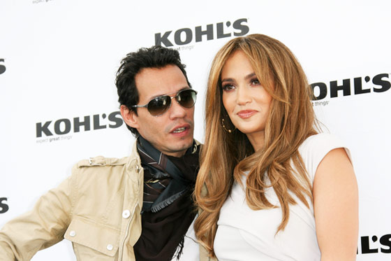 Jennifer-Lopez-Marc-Anthony-Kohls-Store-2010