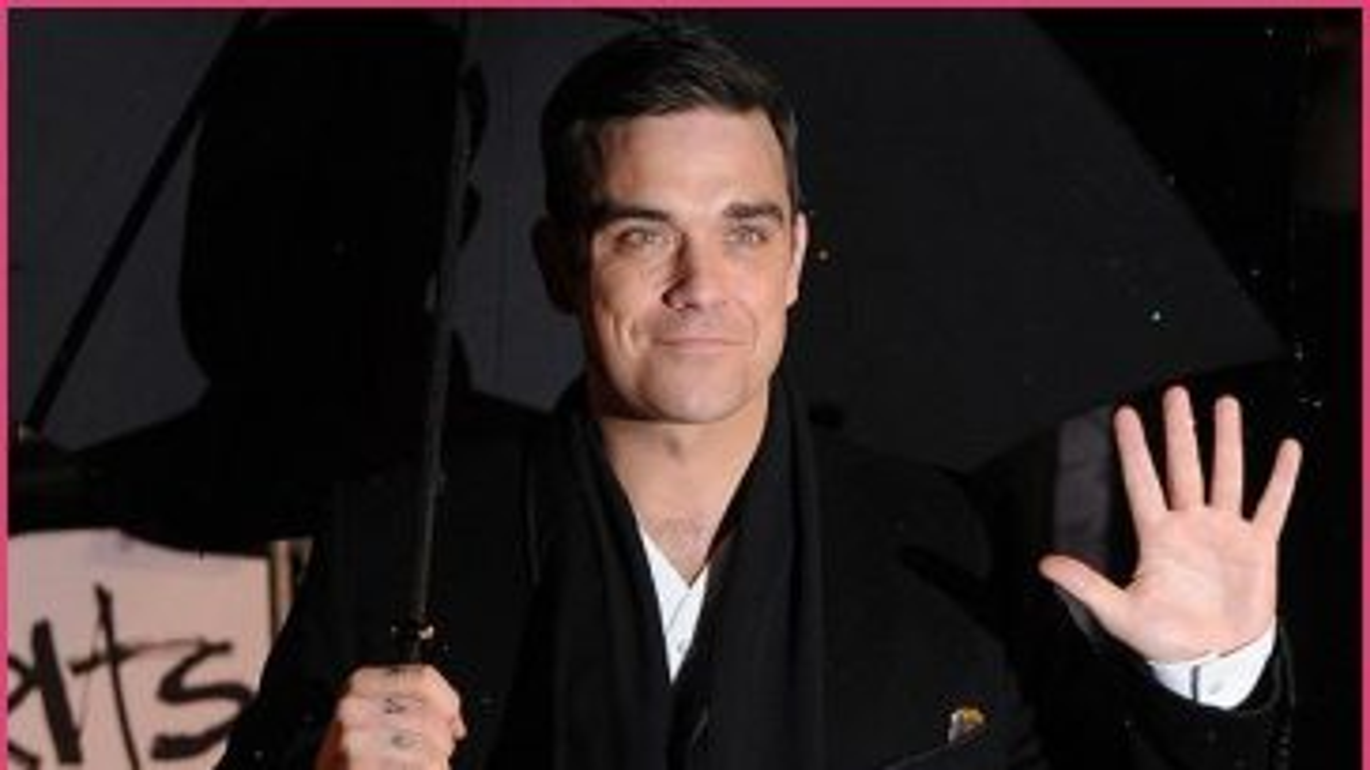 Robbie-Williams-Brit-Awards-2010