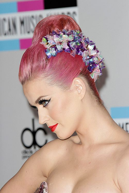 Katy-Perry-American-Music-Awards-2011-3