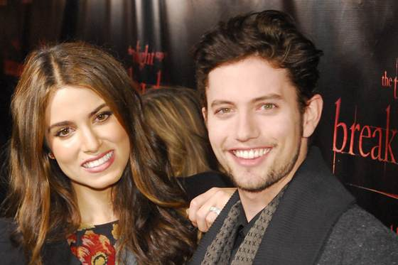 Nikki Reed Jackson Rathbone Chicago BD Tour 1 Breaking Dawn Konzert in Chicago mit Ashley Greene & Jackson Rathbone