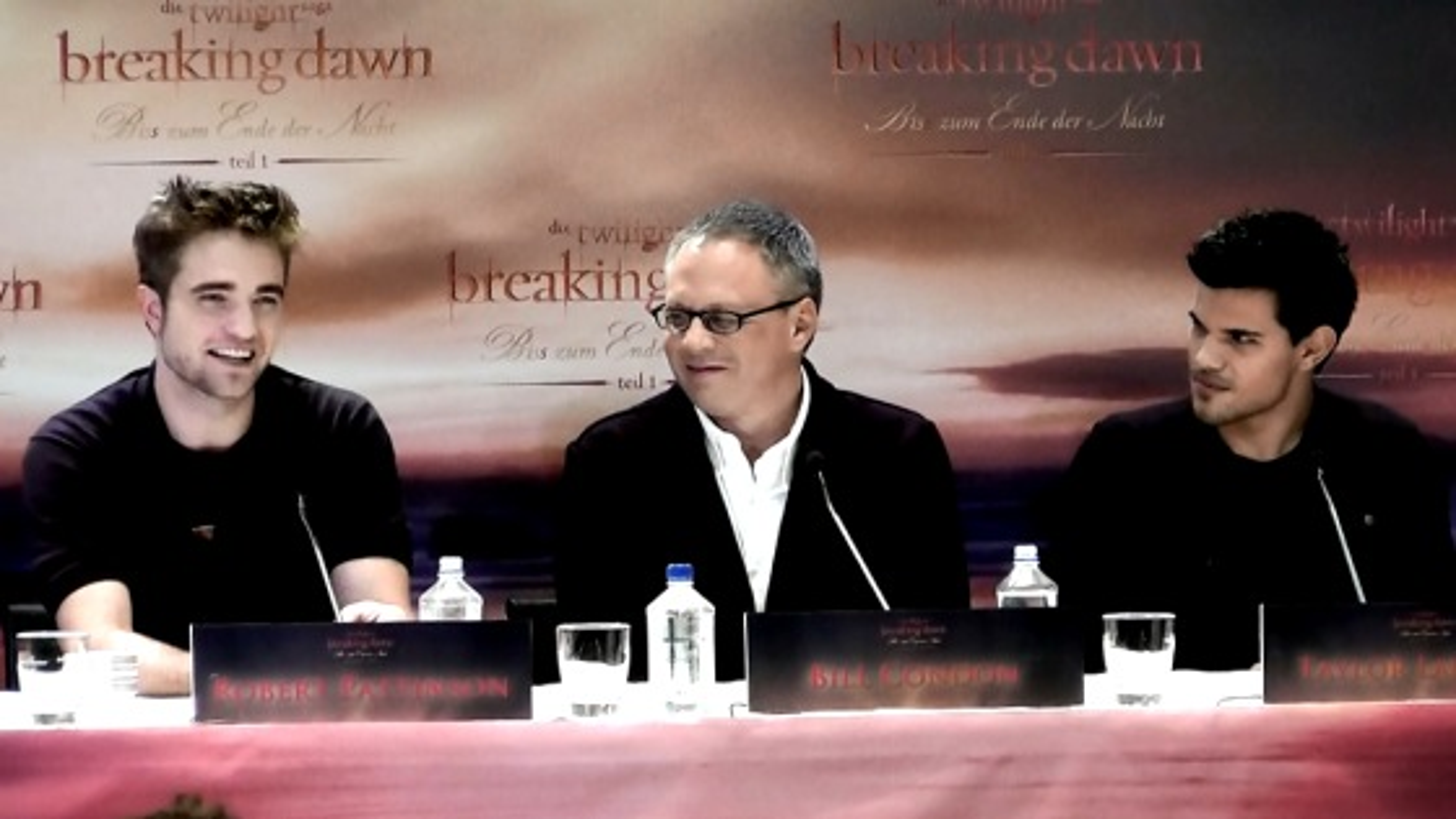 Robert-Pattinson-Taylor-Lautner-Breaking-Dawn-Pressekonferenz-Berlin
