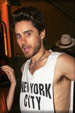Jared-Leto-Purple-Mag-Party-250x379