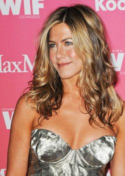 Jennifer-Aniston-Women-in-Film-2009-250x352