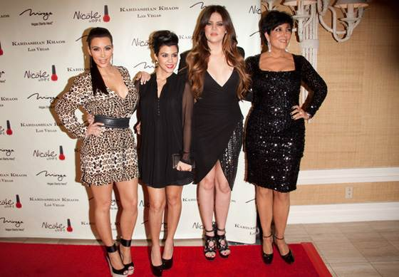 Kardashians Khaos Grand Opening Keeping Up With the Kardashians: Mega Deal für drei weitere Staffeln!