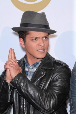 Bruno-Mars-Grammy-Nominierungs-Konzert-2011-250x375