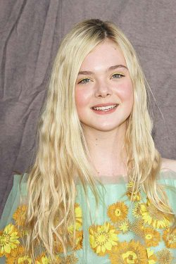 Elle Fanning Critics Choice Awards 2012 250x375 Elle Fanning will mit Robert Pattinson drehen