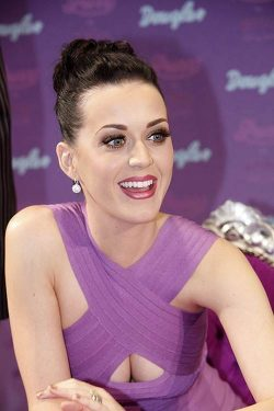 Katy-Perry-Fragrance-Launch-2011-250x375