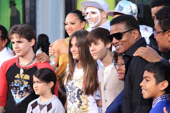 Michael Jackson Immortalized 3 Michael Jacksons Kinder mit Justin Bieber in Hollywood