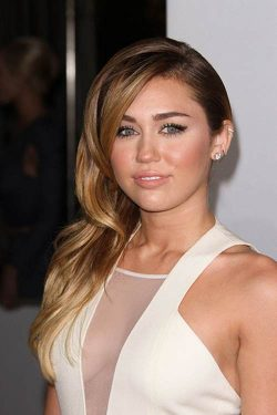 Miley-Cyrus-Peoples-Choice-Awards-2012-2-250x375