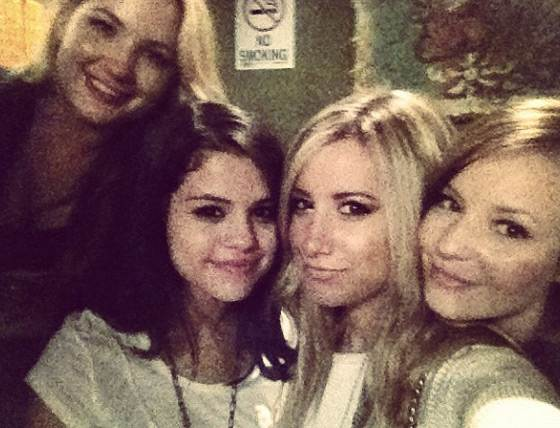 Selena Gomez Ashley Tisdale UNICEF Ashley Tisdale tanzt auf Justin Biebers Geburtstagsparty!