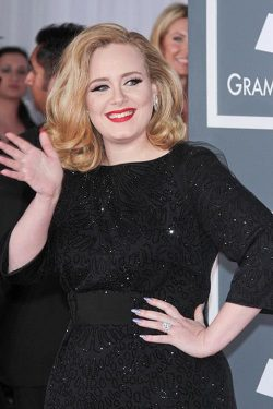 Adele Grammy Awards 2012 2 250x375 Adele schon in 2 Monaten Mutter?