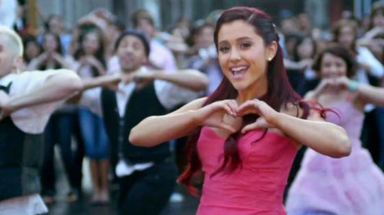 Ariana Grande Put Your Hurts Up Musikvideo Ariana Grande   Put Your Hearts Up Musikvideo