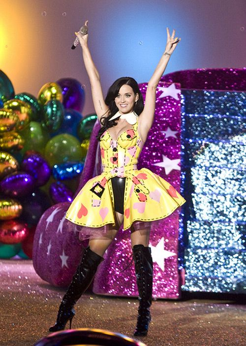 Katy Perry Victorias Secret Fashion Show Katy Perry für 20 Millionen US Dollar bei American Idol?