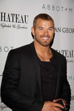 Kellan Lutz Dylan George and Abbot 1 250x375 Kellan Lutz: Ich will bei The Hunger Games mitmachen!