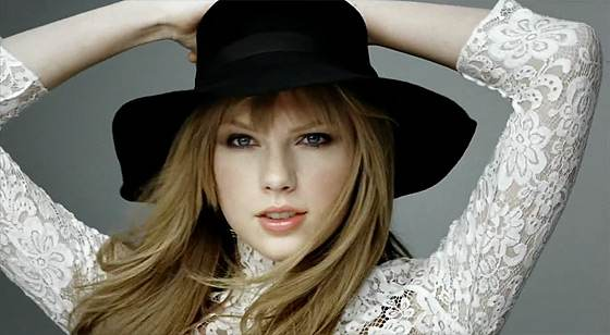 Taylor-Swift-Covergirl-Grammy-Awards