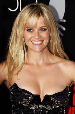 Reese-Witherspoon-This-Means-War-LA-Premiere-250x381