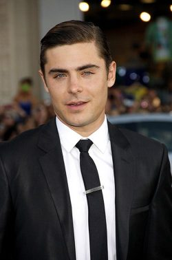 Zac-Efron-The-Lucky-One-Premiere-Los-Angeles-4-250x378