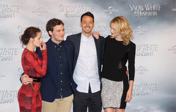 Kristen Stewart Sam Claflin Charlize Theron Snow White Fan Event Berlin 3 Kristen Stewart & Charlize Theron in Berlin: Enttäuschendes Snow White Fan Event