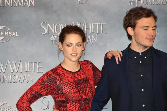 Kristen Stewart Sam Claflin Snow White Fan Event Berlin 3 Kristen Stewart & Charlize Theron in Berlin: Videos vom Fan Event