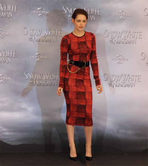 Kristen-Stewart-Snow-White-Fan-Event-Berlin-3