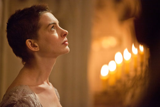 Les Miserables Stills Mai 2012 6 Anne Hathaway singt: Les Miserables Featurette!