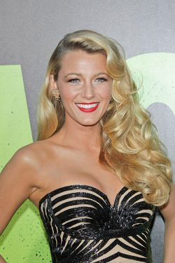 Blake-Lively-Savages-Premiere-4-250x375