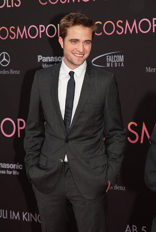 Robert Pattinson Cosmopolis Premiere Deutschland 1 Robert Pattinson als Lawrence von Arabien in Queen of the Desert