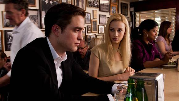 Robert Pattinson Sarah Gadon Cosmopolis Still Juni Robert Pattinson kann viele Dinge gut