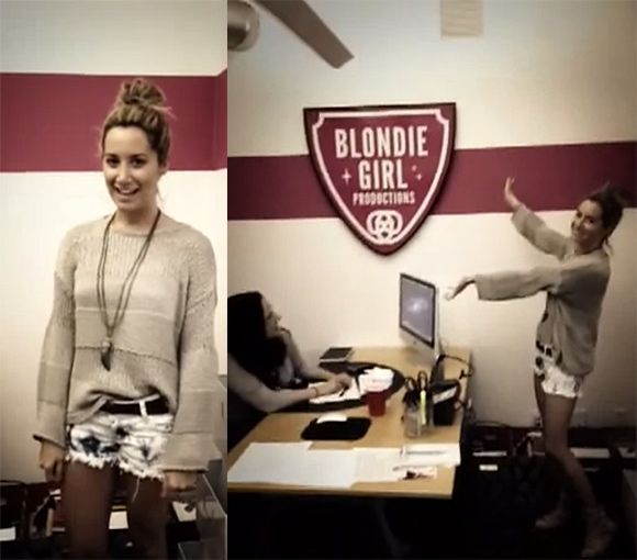 Ashley Tisdale Blondie Girl Productions Ashley Tisdale zeigt ihr Blondie Girl Productions Büro