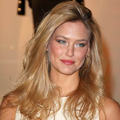 Bar Refaeli Paris Fashion Week 2012 Bar Refaeli sucht den Million Dollar Shootingstar